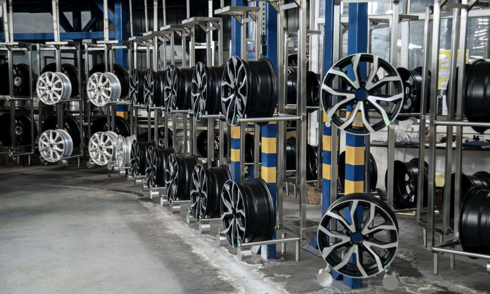 What To Consider When Buying Alloy Wheel (370x264)